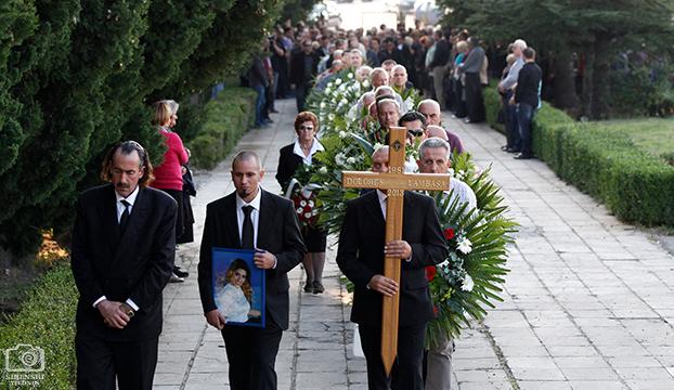 pogreb11
