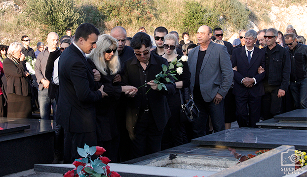 pogreb15