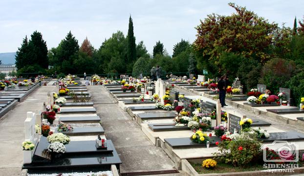 groblje kvanj svi sveti 2013 (1)