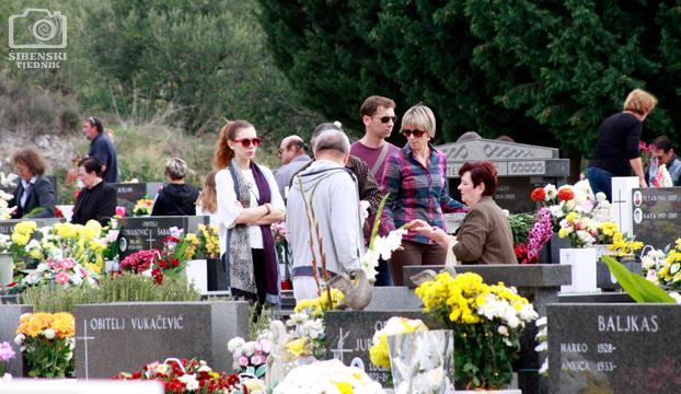 groblje kvanj svi sveti 2013 (13)