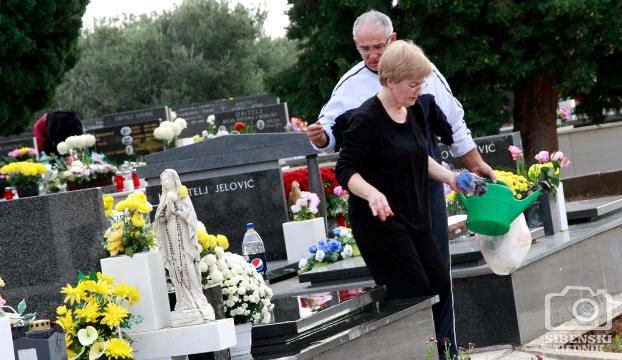 groblje kvanj svi sveti 2013 (14)