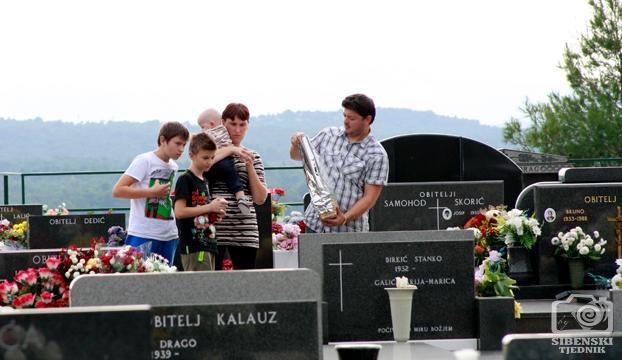 groblje kvanj svi sveti 2013 (5)