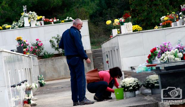 groblje kvanj svi sveti 2013 (7)