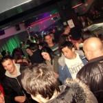 FOTO:Sjajna atmosfera u Makari clubu uz grupu Dišpet i DJ-a Mladena E