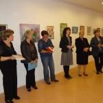 FOTO: U galeriji Knjižnice postavljen 'vatromet boja' likovnjaka Ogranka Matice hrvatske Šibenik