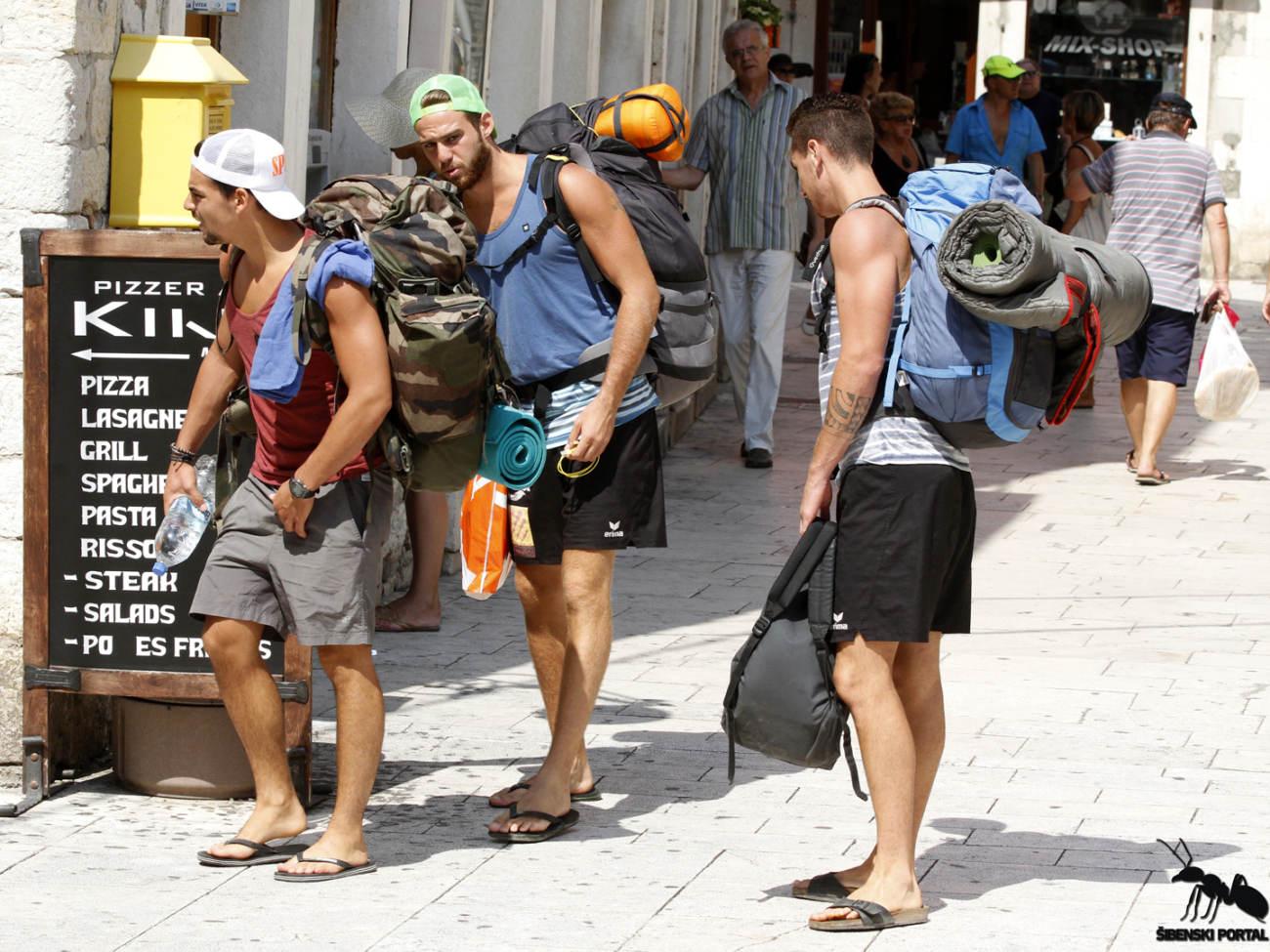 spica turisti 1 100815