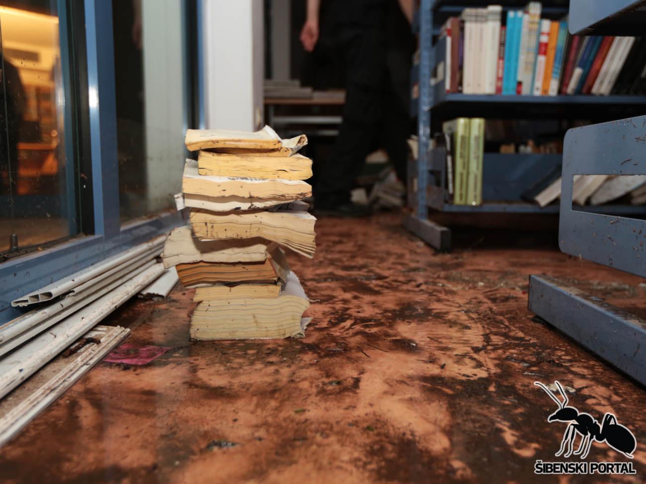 knjiznica poplava 6