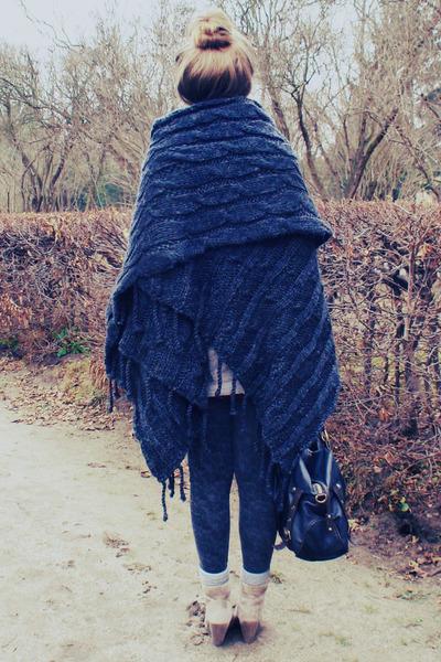 navy-poncho-sweater_400