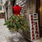 FOTO: Ova je Božićna haljina postala glavna atrakcija u Kalelargi