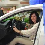 FOTO: Šibenčanka Jelena Plavčić jučer dobila ključeve svog novog Mercedesa