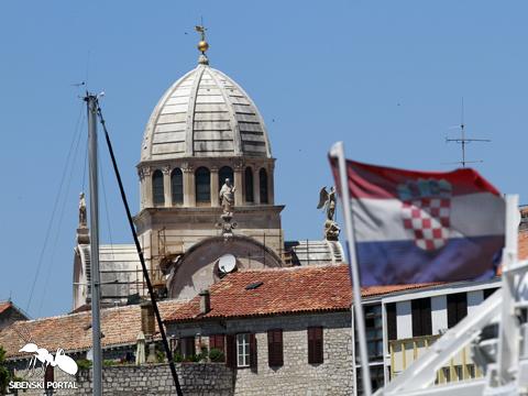 sibenik katedrala kupola zastava1