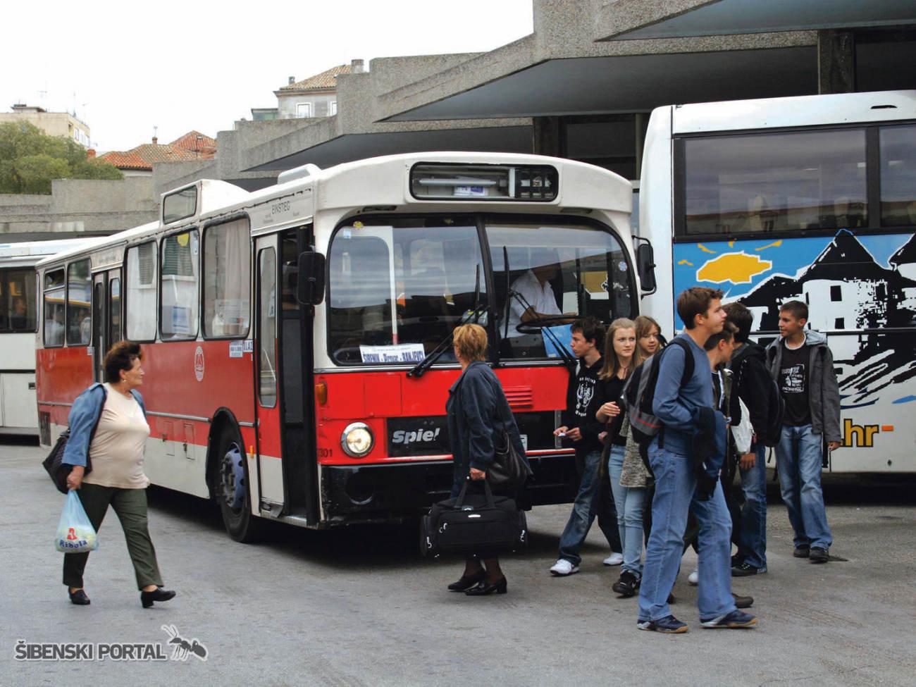 autobus atp stanica kolodvor 190416 1