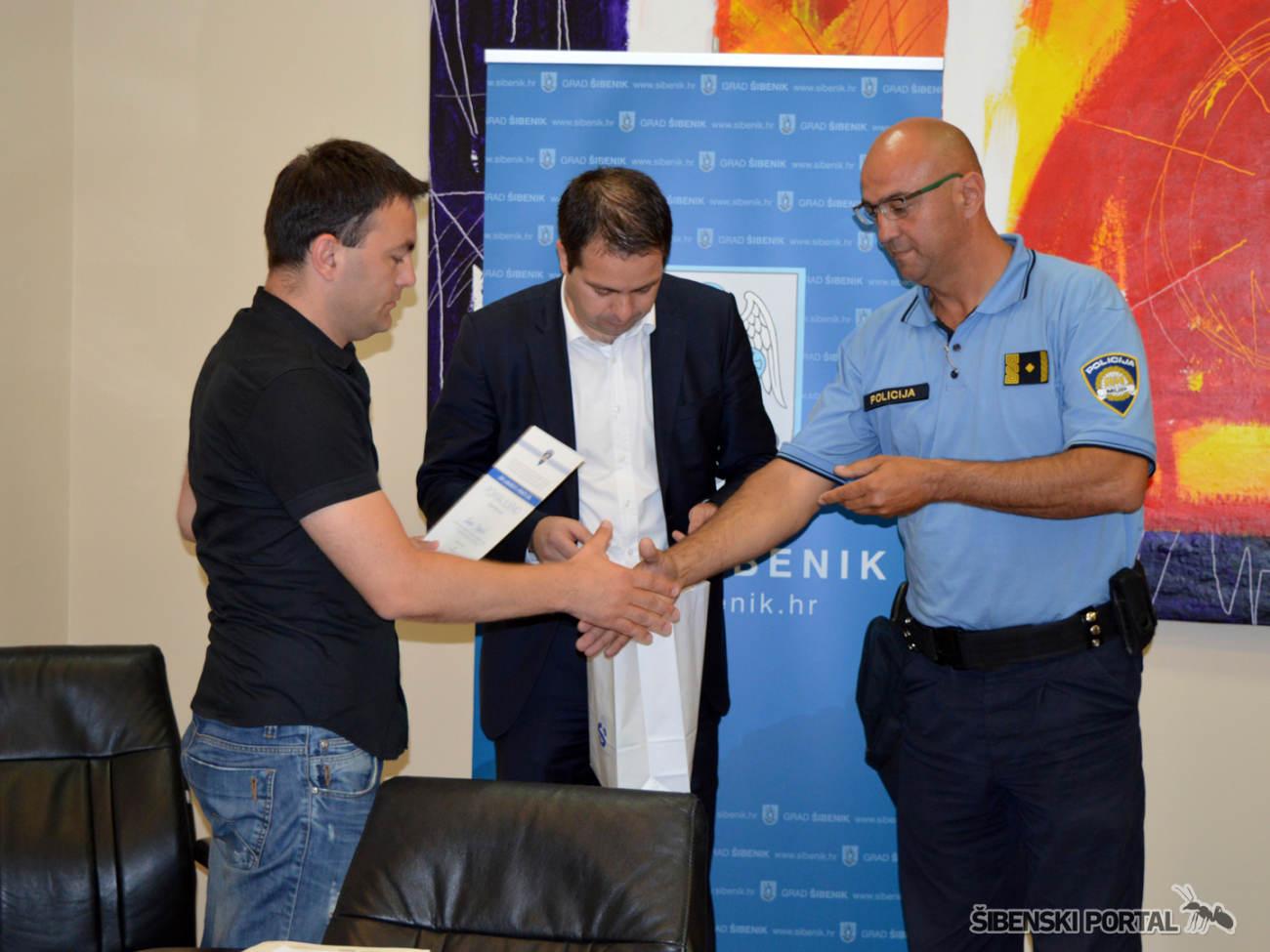 policija dan ljubaznosti nagradeni 020616 8