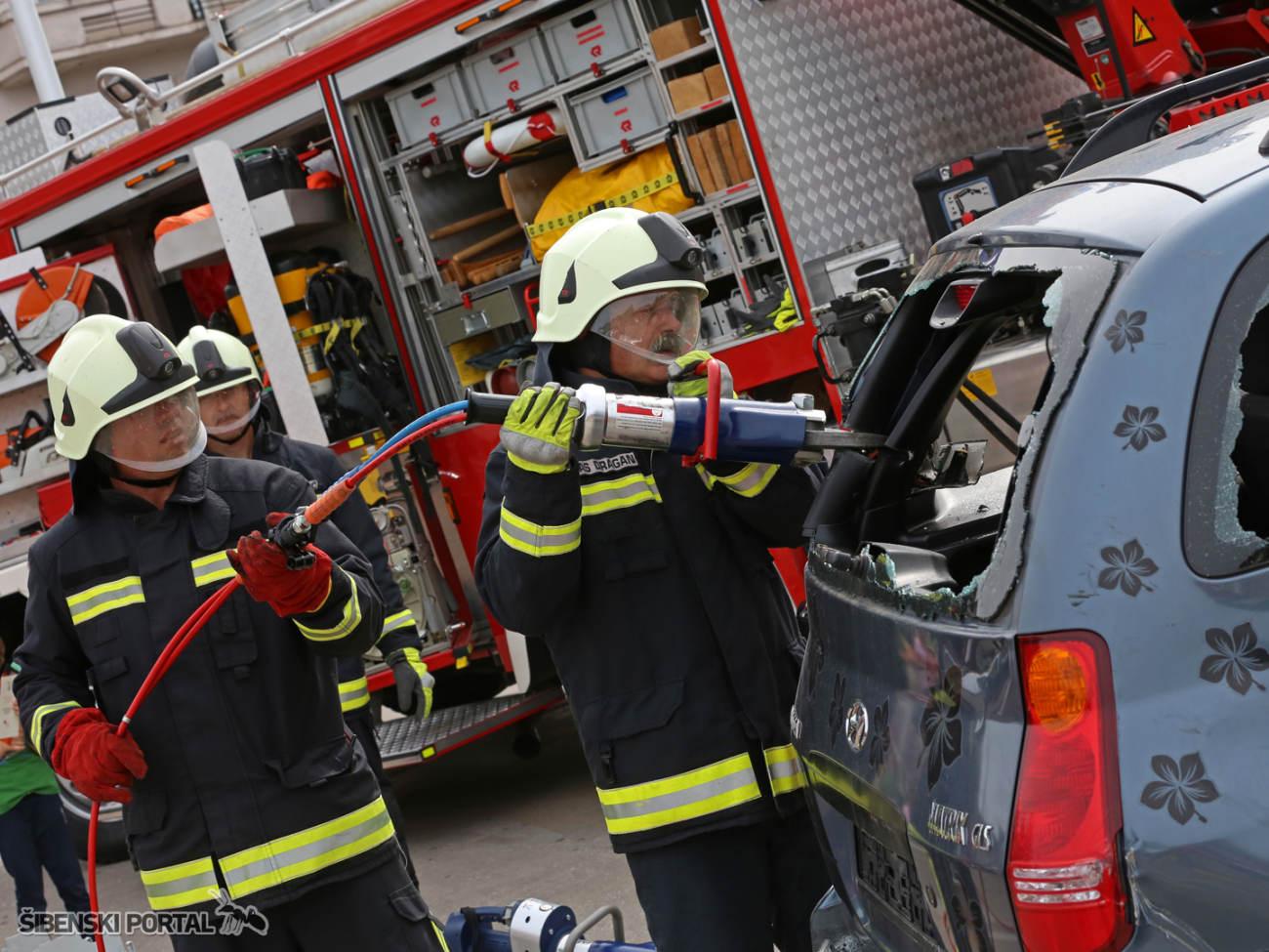 vatrogasci vjezba 010616 1