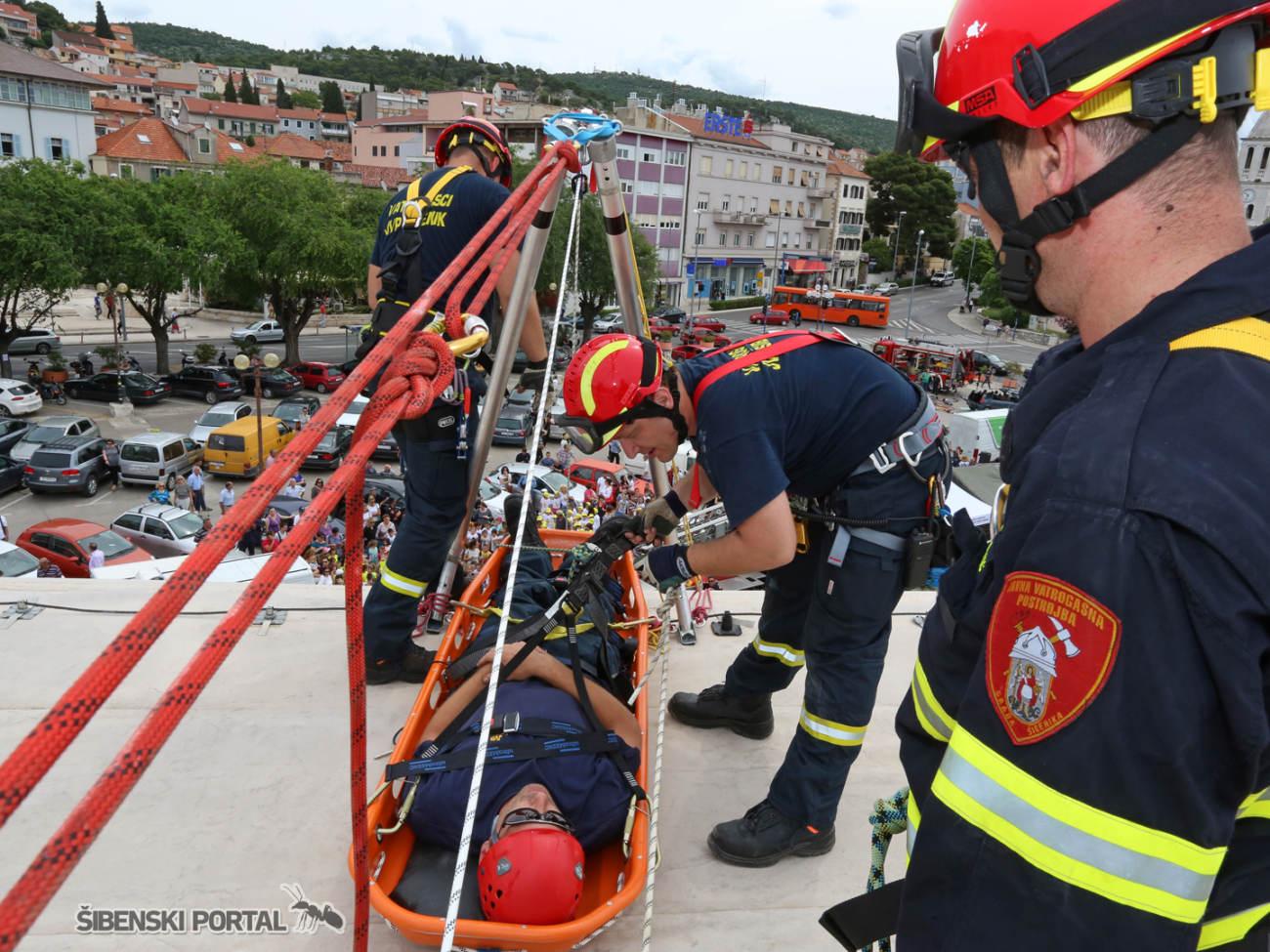 vatrogasci vjezba 010616 11