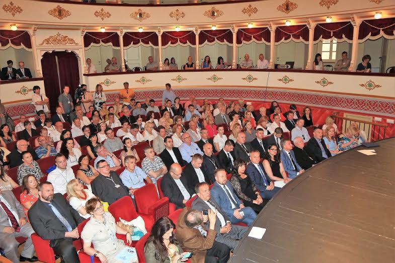 http://hrvatskifokus-2021.ga/wp-content/uploads/2016/07/kongres.jpg