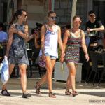 FOTO: Vrućina ne smeta ni domaćima ni fureštima, grad je danas pun svita!