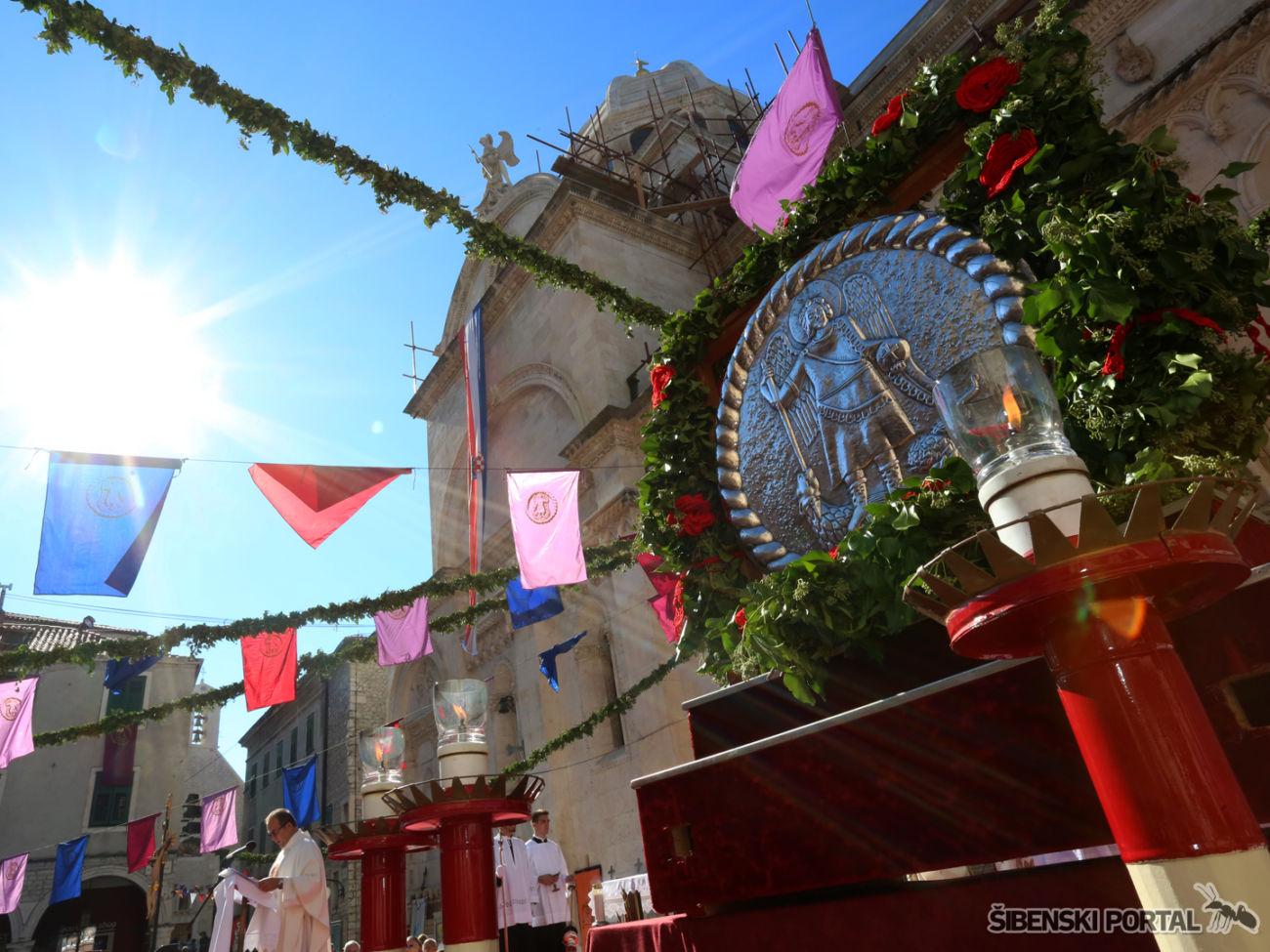 dan-grada-sveti-mihovil-procesija-290916-14