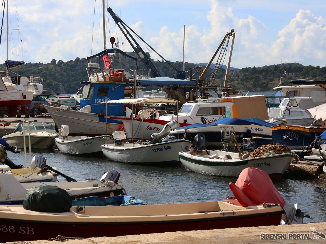 spica-dolac-brodovi-201016-1