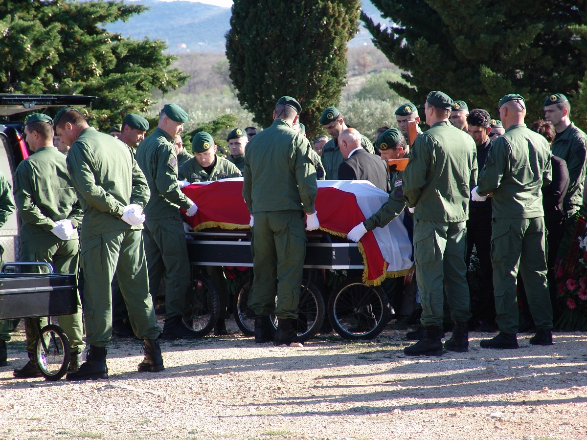 cista velika pogreb (34)