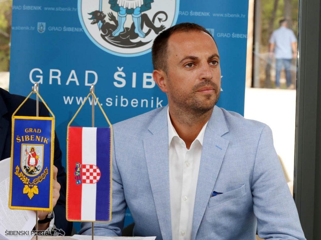 tvrdava-barone-ministar-tolusic-nikola-grubic-010816-11