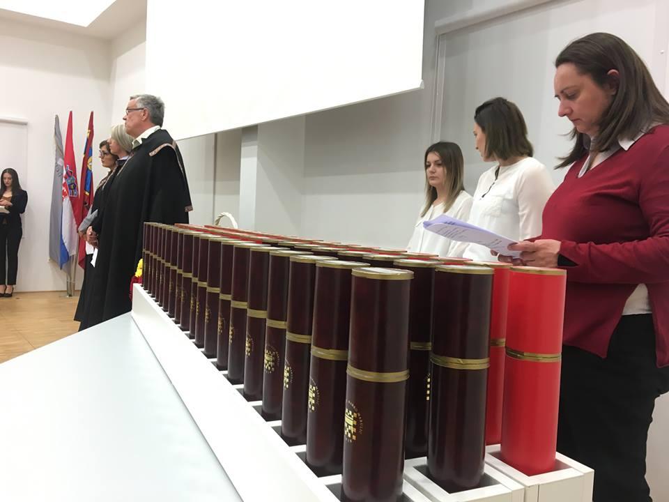 veleuciliste knin marko maruic promocija studenti (9)