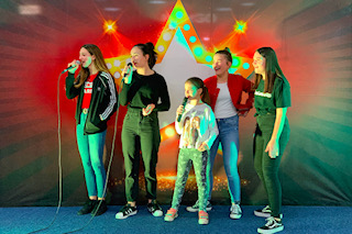 karaoke-party-i-gosti