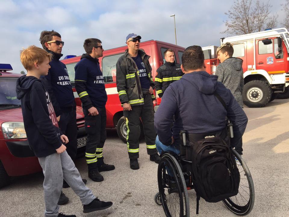 prosvjed vatrogasci frane lucic (3)